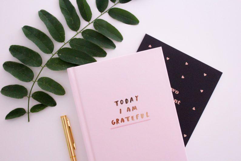 Kursus i Taknemmelighed. Viden og indsigt i, hvordan taknemmelighed, overflod og mirakler hænger sammen og tips til, hvordan du gør.